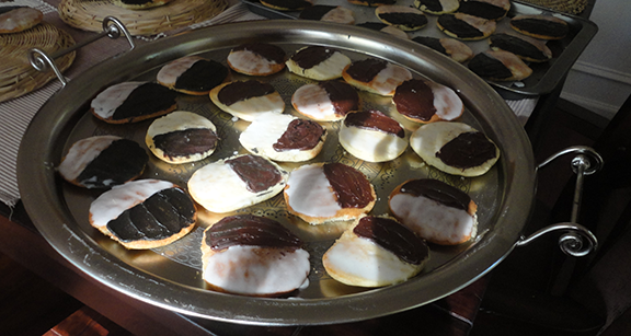 Black and White Eid Cookies