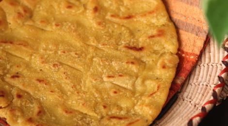 Meethi Makai or Jowar Roti