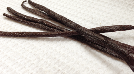 Is Vanilla Extract Halal? And How to Use Vanilla Beans.