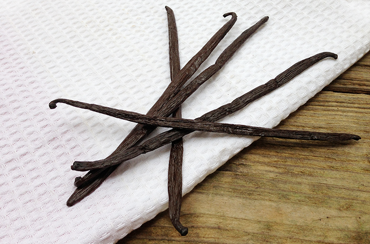 Is Vanilla Extract Halal? And How to Use Vanilla Beans